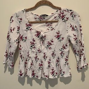 American Eagle cropped peplum floral top